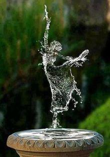 水のバレリーナ 決定的瞬間画像