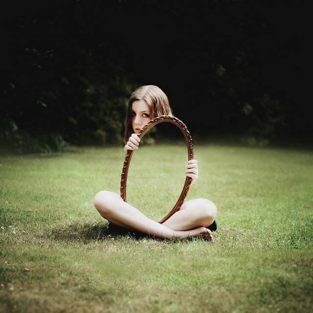 鏡を使ったトリック写真