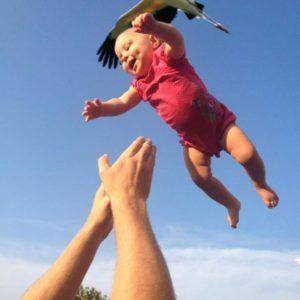 赤ちゃんをキャッチ
